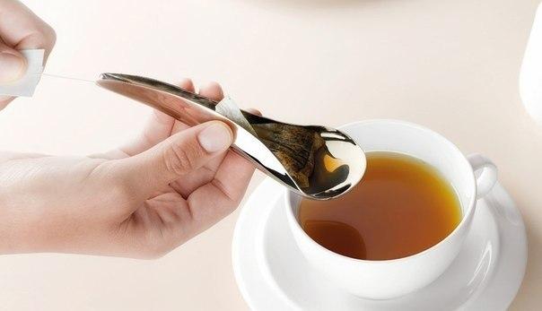 Ложка, отжимающая чайные пакетики